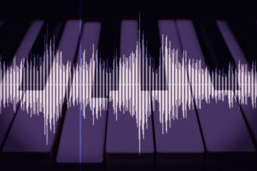 ピアノやギターで効果音!リバース(波形逆再生)でキメを演出しよう。